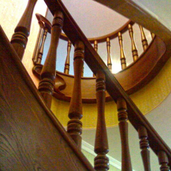 Лестница из массива дуба 17 ступеней